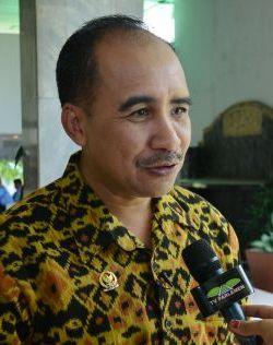 Jefirston R. Riwu Kore