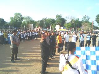 Pemjabat Bupati Belu, lepas perserta Karnaval Budaya, Kamis sore tadi.