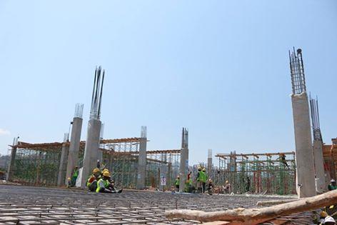 Tampak gedung PLBN Motaain sedang dikerjakan.