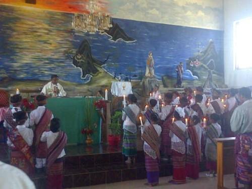 300 Siswa Terima Sakramen Ekaristi Kudus di Paroki Kleseleon