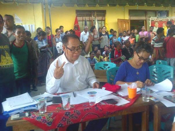 Cabup Malaka, Stefanus Bria Seran sedang memantau perhitungan suara paket SBS-DA.