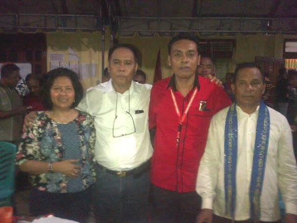 Cabup/Cawabup Malaka, SBS-DA pose bersama Ketua Tim Koalisi Partai dan Istri Cabup Malaka, Beatrix Tae.