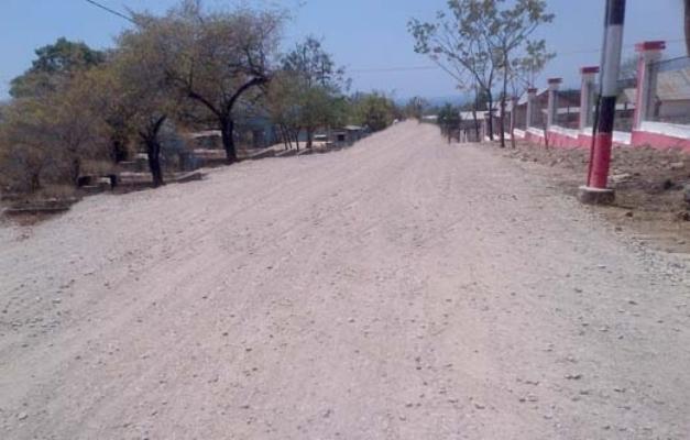 Inilah kondisi jalan di Oeleta Kupang yang tidak selesai dikerjakan.