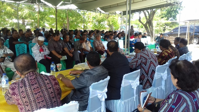 Wali Kota Kupang, Jonas Salean berkantor di Kecamatan Alak.