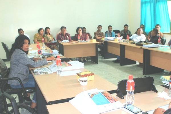 Tampak RDP Komisi III DPRD Kota Kupang dan Dinas PU berlangsung tegang.