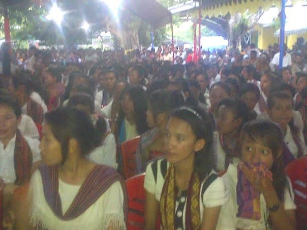 Inilah warga Malaka yang mengikuti misa syukur pelantikan Bupati/Wabup Malaka.