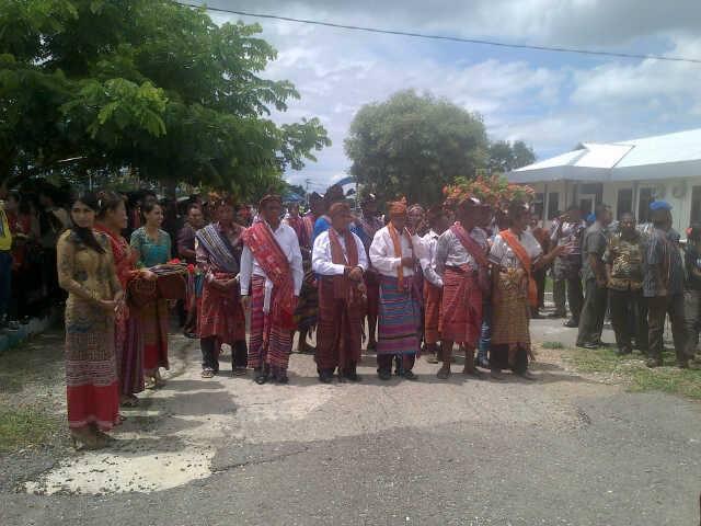 Tampak masyarakat adat siap menerima SBS-DA.