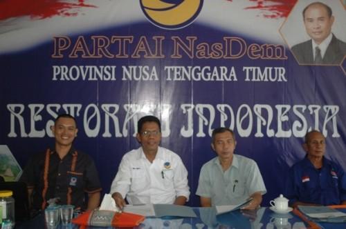 Panitia Pendaftaran Nasdem pose bersama, Senin pagi tadi.