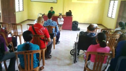 Persani dan Telkomsel Sosialisasi Disabilitas di Oelnasi, Kabupaten Kupang.