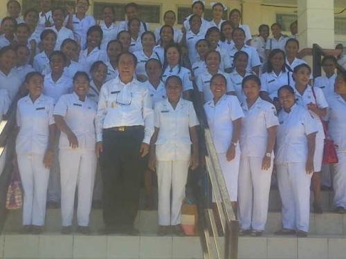 Bupati Malaka pose bersama tenaga medis yang tersebar di Malaka, usai pertemuan pagi tadi.