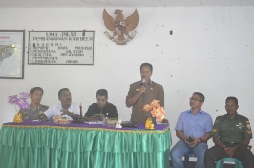 Wakil Ketua DPRD Belu sedang menyampaikan arahannya dalam sosialisasi Risah.