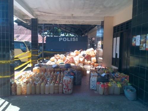 Penyelundupan 3,3 Ton BBM, 298 Dos Miras dan 2 Unit Sepeda Motor ke Timor Leste Digagalkan Polres Belu