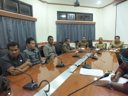 Pansus DPRD TTS terkait LKPJ Bupati TTS  memberikan keterangan pers.