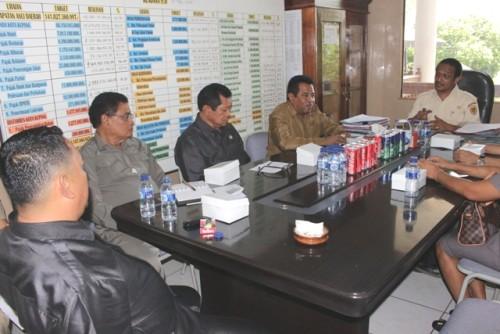 Komisi II DPRD Kota Kupang ketika bertemu Kadis Penda Kota Kupang.