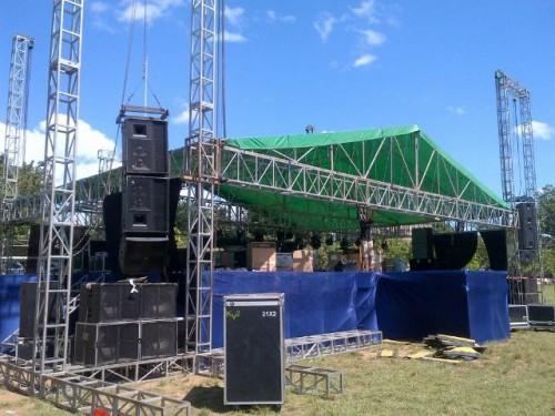 Inilah panggung konser Slank di Atambua.