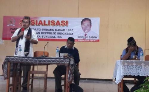 Honing Sanny Sosialisasi di Komodo.