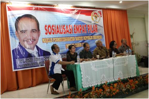 Jefri Riwu Kore menyampaikan sosialisasi Empat Pilar Negara di Kota Kupang