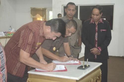 Bupati Belu dan Kajari Atambua, tandatangani MoU.