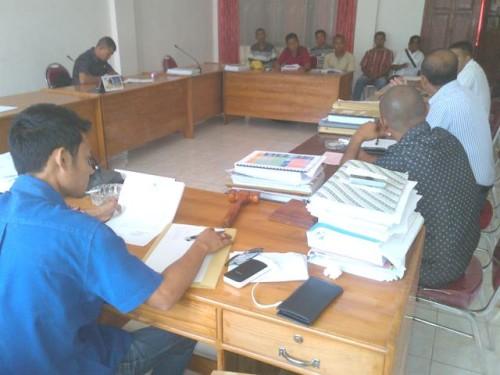 Komisi II DPRD Belu menerima pengusaha somel dan meubel.