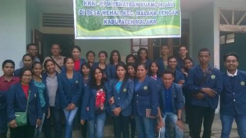 Mahasiswa Undana pose bersama di Betun.