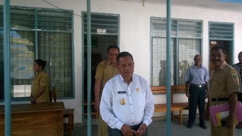 Wabup Malaka, Daniel Asa ketika melakukan sidak di SKPD.