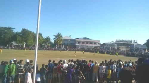 Pertandingan tim Weliman vs Malaka Timur yang dijubeli penonton.