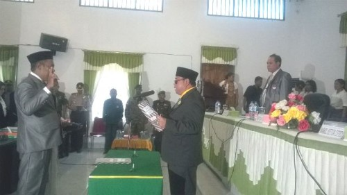 Edjido Amaral Manek dilantik sebagai anggota DPRD Malaka.