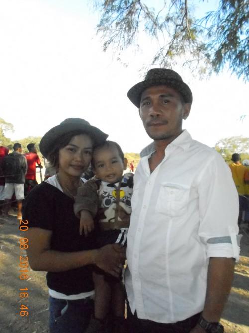 Imanuel Ati Bale Foto Bersama Keluarga