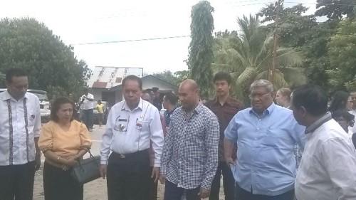 Victor Laiskodat bersama Bupati dan Wabup Malaka serta pimpinan DPRD di Desa Oan Mane, Malaka, NTT.