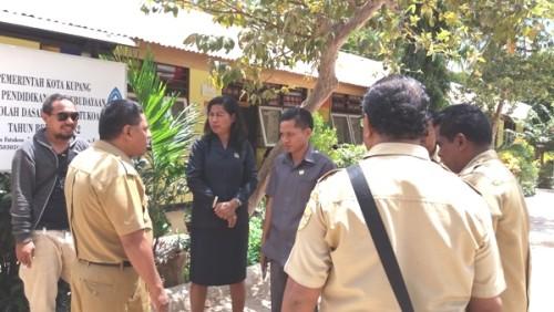 Komisi IV DPRD Kota bersama Dinas PPO Kota Kupang kunjungi SDI Fatukoa.
