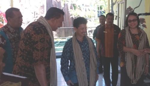 Cecep bersama Wali Kota Kupang.
