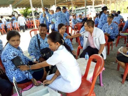 Sejumlah PNS Malaka mengikuti pemeriksaan kesehatan terkait Filaria.