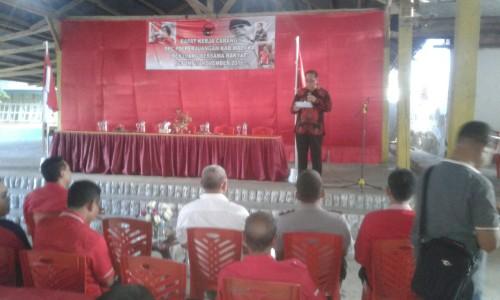 Bupati Malaka sampaikan sambutan dalam Rakercab PDI Perjuangan Malaka.