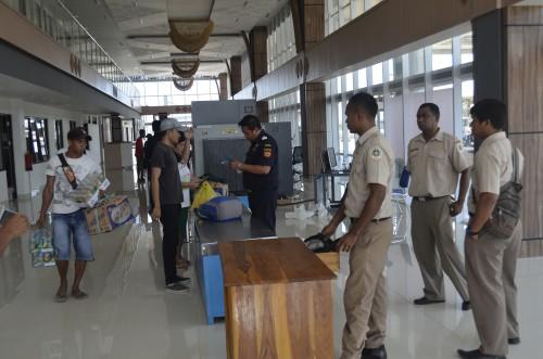 Petugas Bea Cukai dan Karantina mulai menggunakan gedung PLBN Motaain.