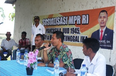 Anggota DPR RI, Fery Kase sedang sosialisasikan Empat Pilar Kebangsaan.