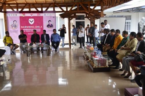 Menpora Imam Nahrawi hadiri dialog Baomong Bola di Atambua, NTT.