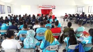 Paul Liyanto ketika menyampaikan materi dalam RDPU di Kupang.