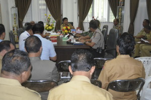 Bupati Belu bersama Forkopimda dan pimpinan OPD gelar rapat.