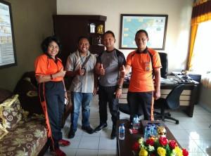 Wartawan Kilastimor.com bersama Kapolres Kupang.