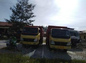 Dua unit truk ini diamankan Polres Kupang.