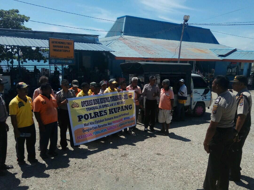Polres Kupang sosialisasi di Bolok.