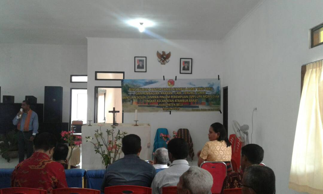 Acara peresmian kantor Camat Atambua Barat.
