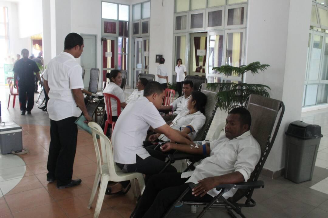 ASN Kab. Kupang donor darah.